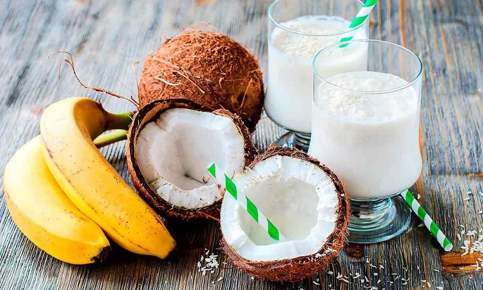 Banana & coconut smoothie