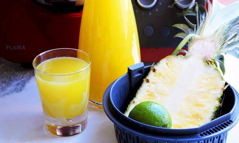 Limonada de Ananás e Lima