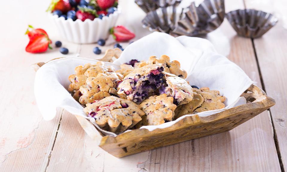 Muffins de mirtilo e morango